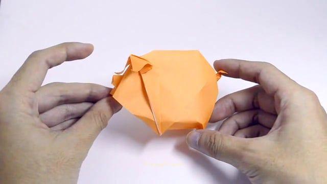 Origami Piggy on Vimeo