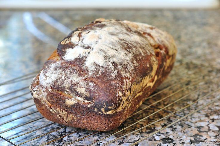Sourdough white loaf | bitterbaker.com