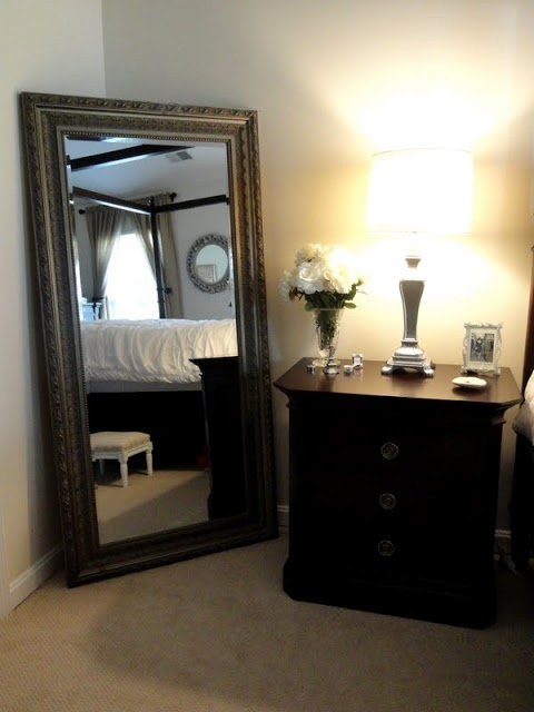 Beautiful full length mirror in bedroom somewhere to for Full length bedroom mirror