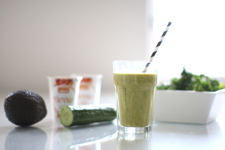Perfect healthy snack for autumn days: mix sea-buckthorn Berrie, avokado, kale, cucumber and a dash of water in a blender. Super easy and delicious!