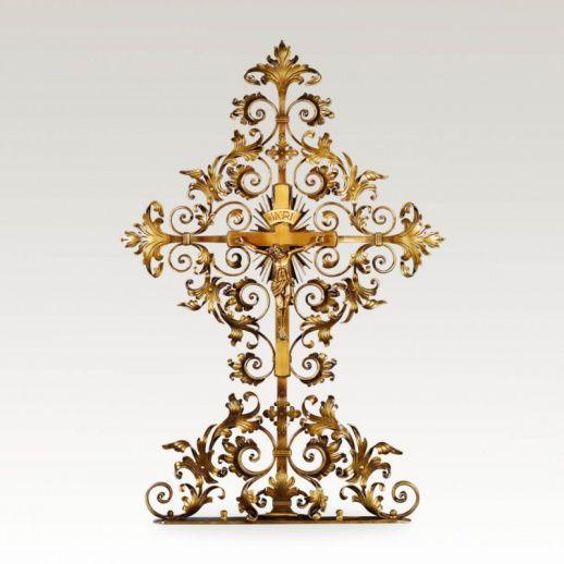 Grabkreuz »Cajos« aus Metall mit Jesus • Hochwertige Schmiedekunst & Handarbeit • Jetzt versandkostenfrei kaufen bei ▷ Serafinum.de
