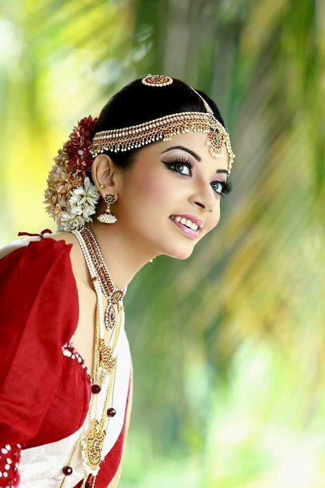How To Do Kandyan Bridal Makeup : 447 best images about BrIdEs on Pinterest Australia, The ...