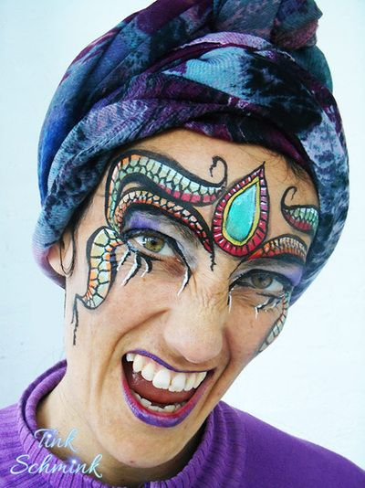 Tink Schmink - schminken Amersfoort: vrolijk geschminkte kindergezichtjes op uw feest, evenement of festival. Ook bellypaints zijn mogelijk.