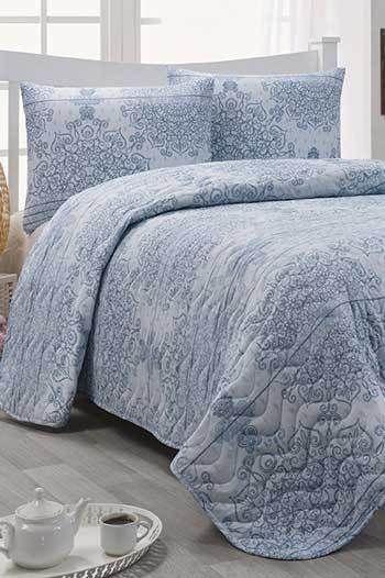 Világoskék kétszemélyes steppelt ágytakaró szett
