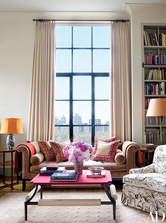 The entertainer, and urban-garden enthusiast, collaborated with decorator Fernando Santangelo and architect Frederick Fisher to cultivate a verdant and stylishly cozy space in the New York home she shares with her husband, Martin von Haselberg   archdigest.com