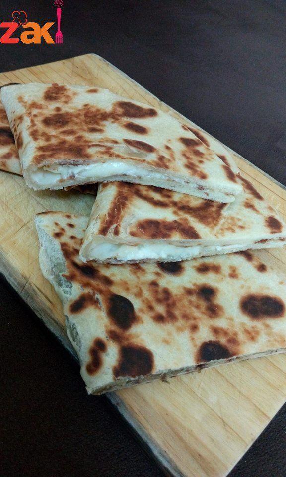 طريقة عمل فطائر الصاج زاكي Cooking Recipes Food Arabic Food