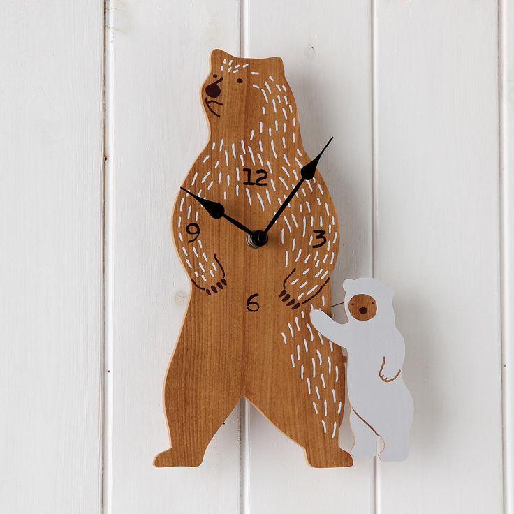 こぐまが揺れる壁掛け時計 Polar Bear