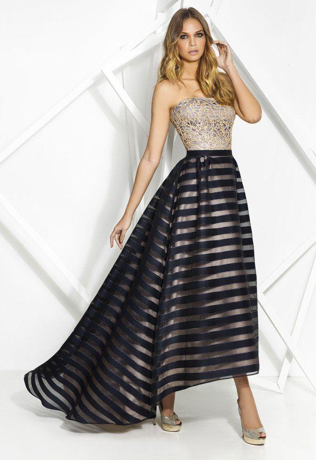 Vestido largo con falda asimétrica