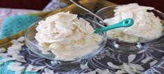 Een lekker koolhydraatarm nagerecht, vanille kokos ijs. Dit is een heerlijk nagerecht of snack voor op een warme zomerse dag.