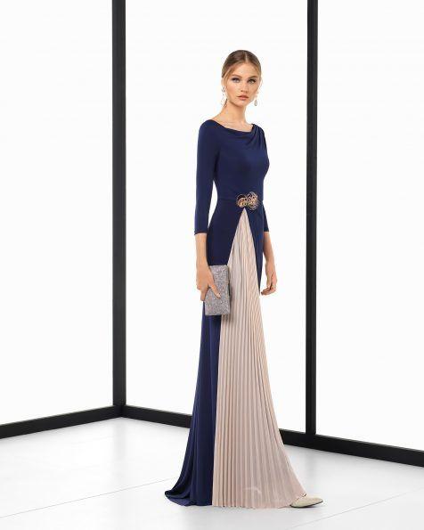 6f81f061c Vestido de fiesta largo en crepe elástico y pedrería bicolor con plisado