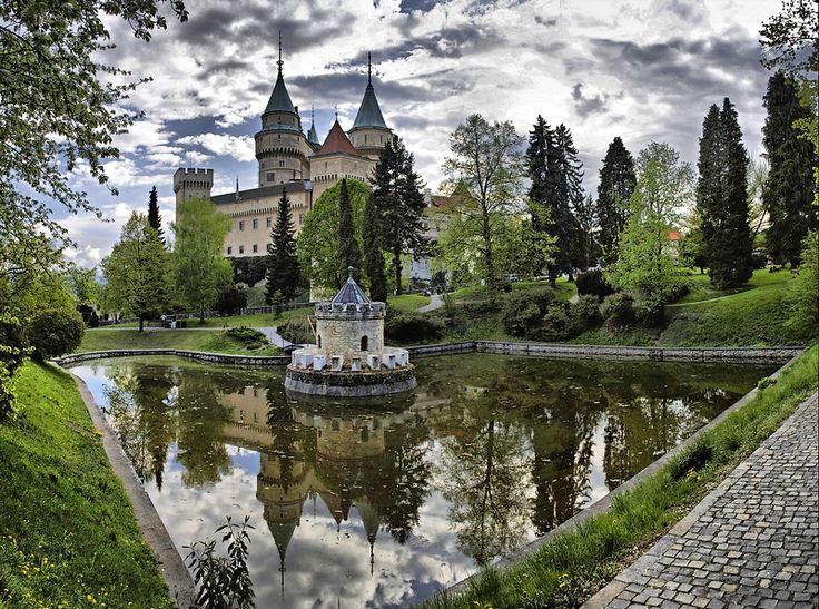 Bojnický zámok / Slovensko Bojnice Castle / Slovakia #castle #hrady #beautiful #slovakia #slovensko