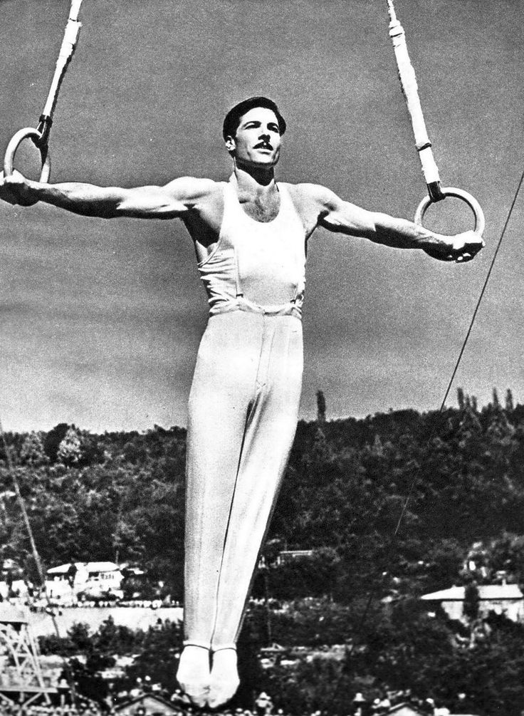 Альберт Вагаршакович Азарян - советский гимнаст, трёхкратный ОЧ, четырёхкратный ЧМ, двукратный ЧЕ, одиннадцатикратный чемпион СССР