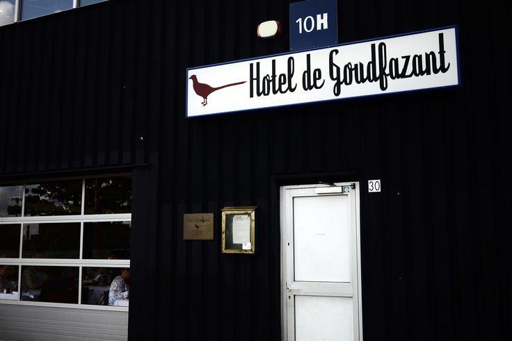 in a former garage Hotel De Goudfazant Aambeeldstraat 10H, 1021 KB Amsterdam © Myriam Balaÿ