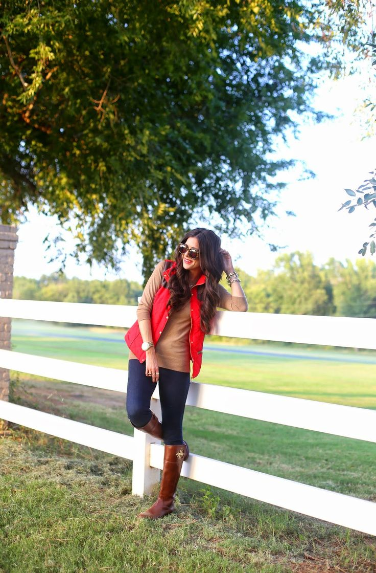 Tan turtleneck, red puffer vest, blue skinnies & brown riding boots. The Sweetest Thing.