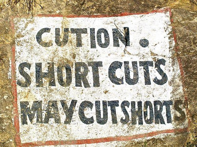 Image: Road Signs In India (© BARCROFT MEDIA/Ajay Jain)