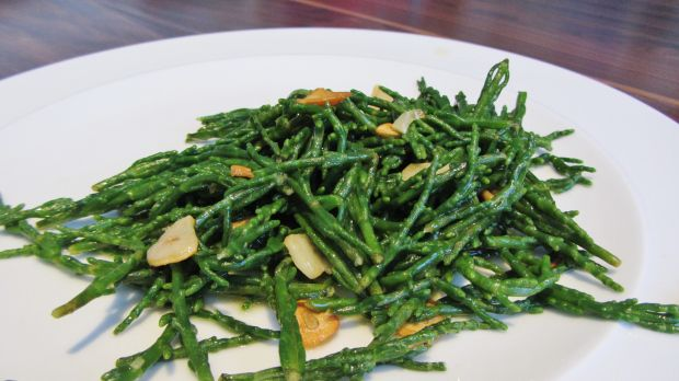 Samphire cooked with garlic and lemon