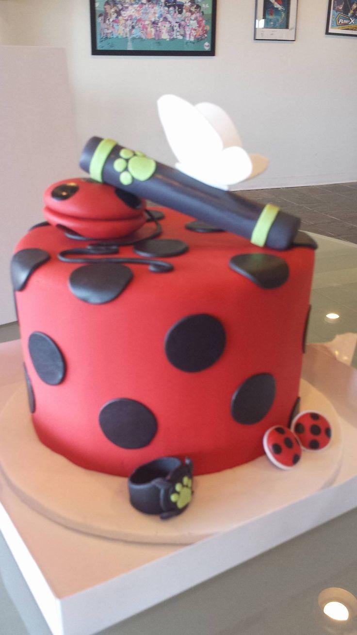 Mamá‼️ yo quiero un pastel así