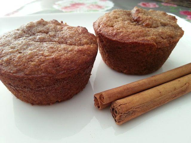 Deze overheerlijke cakejes zijn gezoet met appelmoes dus met recht een gezonde traktatie. En uiteraard gluten en lactosevrij!
