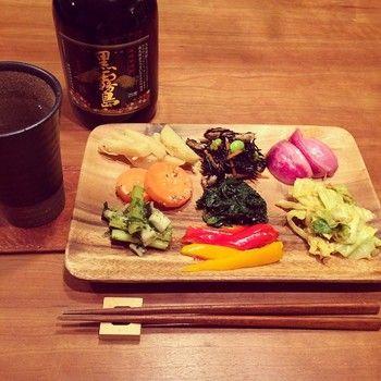 ひとりで晩酌を楽しむなら、常備菜だけあればじゅうぶんですね♪ もちろん、夜遅く帰ったときにもぱぱっと食べられるから便利です。