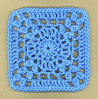 """""""I'm so blue"""" square, free pattern by DLy´s Hooks and Yarns"""