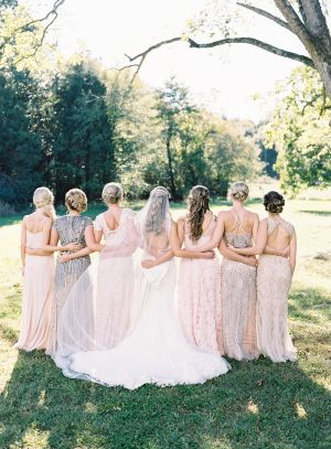 If your Friday night routine is anything like mine (read: wine, yoga pants and Say Yes to the Dress), then you may recognize this gorgeous Bride, whose Kleinfeld dress is just the beginning of her beautiful fall day. In a color
