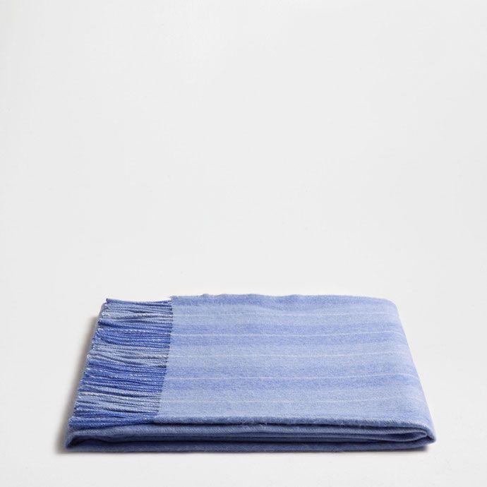 BLUE ALPACA BLANKET WITH BLUE AND WHITE LINES -    Zara Home United Kingdom