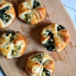 Spinach and Feta Puffs {recipe}