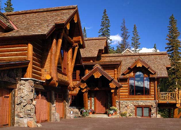 You have to check out the beautiful log homes built by our member Sitka Log Homes. Located in 100 Mile House, BC, (The Handcrafted Log Home Building Capital of North America) Sitka Log Homes builds custom log homes, log cabins, timber frame and hybrid homes.