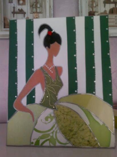 menina moderna (fondo verde)  lienzo,papel decoupage,pintura a mano