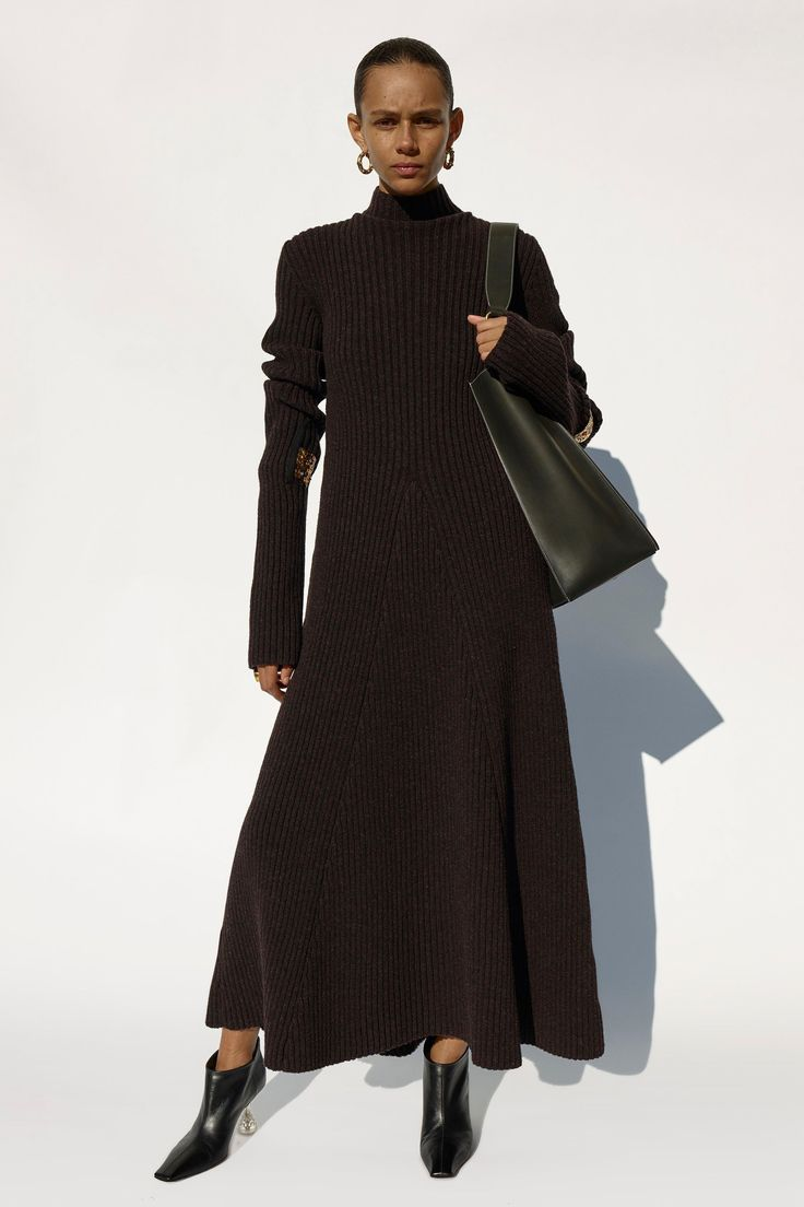 The complete Céline Fall 2018 Ready-to-Wear fashion show now on Vogue Runway.