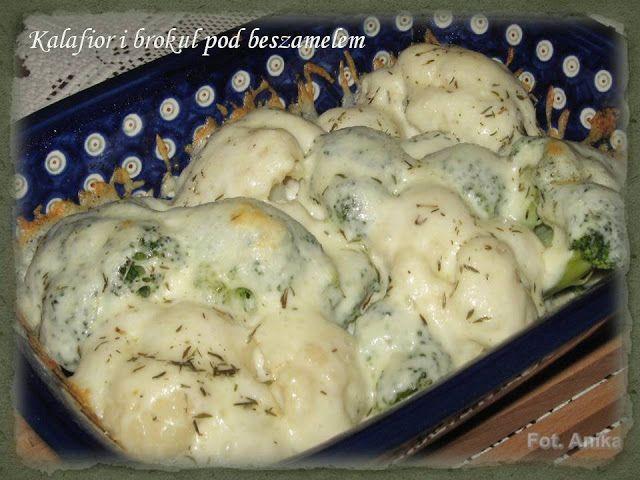 Kalafior i brokuły pod beszamelem                    Taka zapiekanka kalafiorowo - brokułowa jest smacznym dodatkiem do dania głównego ....