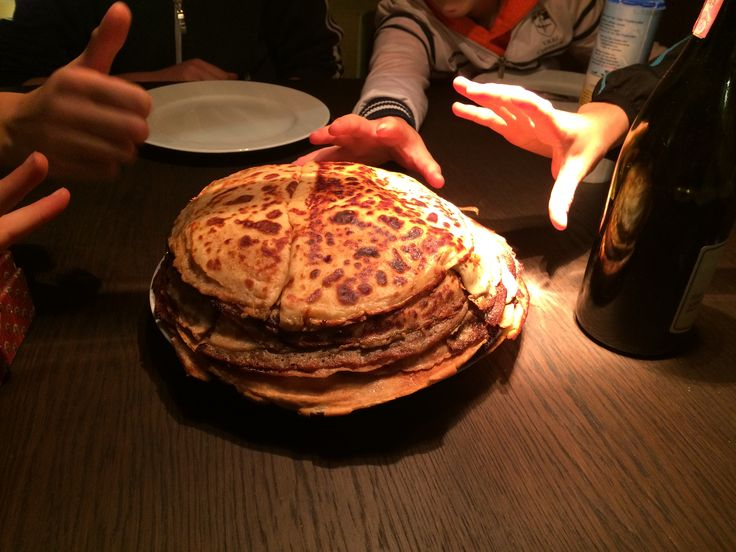 Classic Dutch pancakes, savoured by a bunch of hungry kids ;-))
