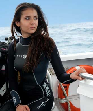 Scuba diving is hot new workout Jessica Alba, Sandra Bullock, Katie Holmes and Nina Dobrev are loving.