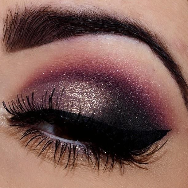 Pink in the crease, gold on the inner corner, smoked out outer corners, cat eye.
