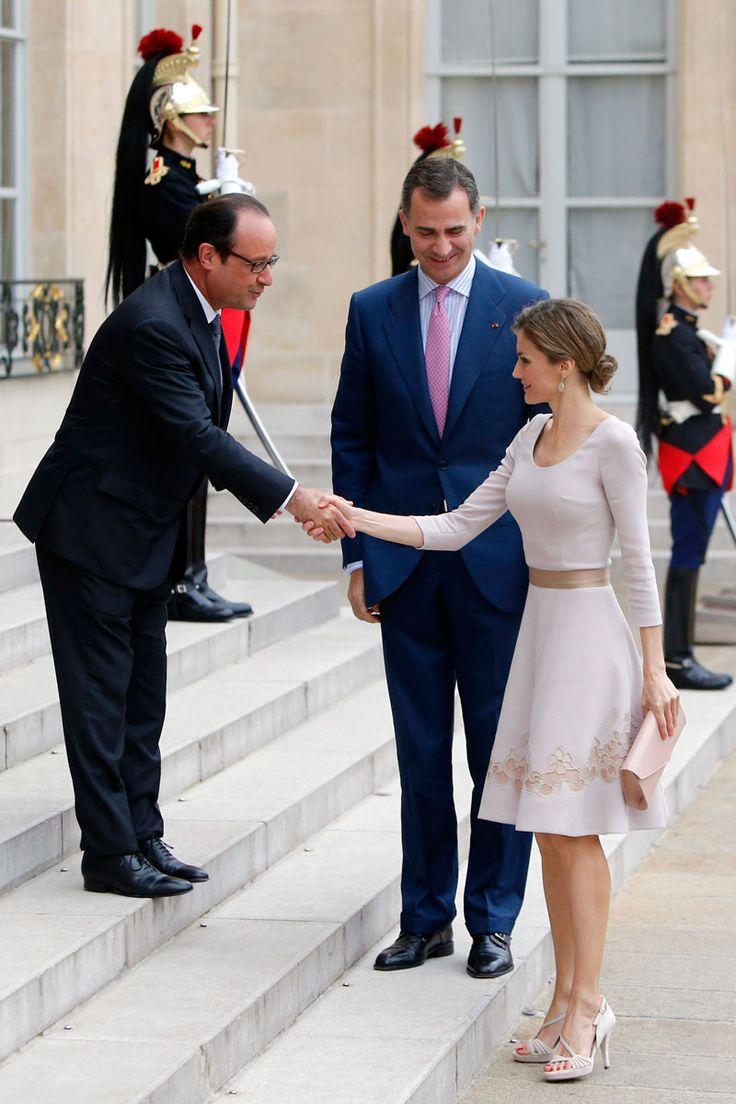 Amo el estilo de la Reina Letizia: Un vestido en clave pastel.