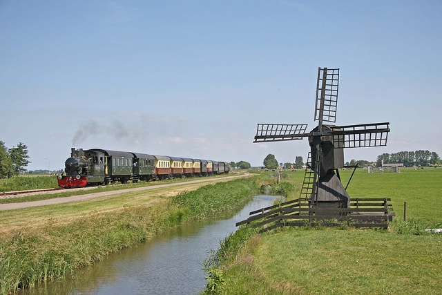 SHM locomotief 26 met trein 2 bij Midwoud-Oostwoud by kevinpiket, via Flickr