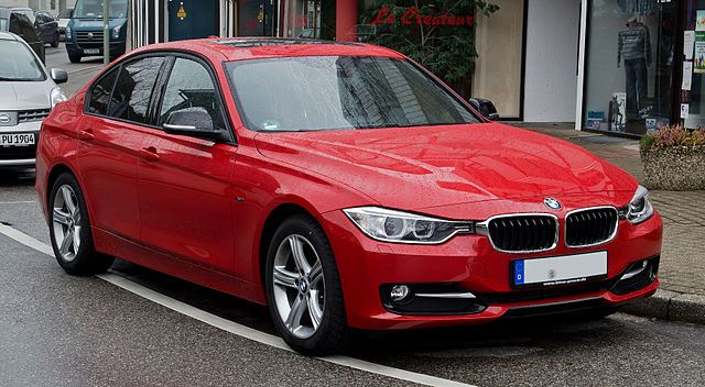 640px-BMW_320d_Sport_Line_(F30)_–_Frontansicht,_26._Februar_2012,_Wülfrath