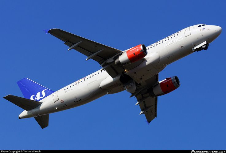 OY-KAL SAS Scandinavian Airlines Airbus A320-232 photographed at Berlin - Tegel (TXL / EDDT) by Tomas Milosch