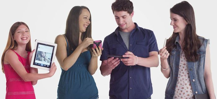 """Onderzoek Facebook naar opgroeien met schermen: """"FOBO is het nieuwe FOMO"""""""