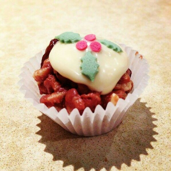 Yummy crispie christmas puds!