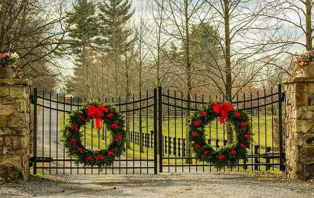 Decorated in Knoxville.   Gate decoration, Christmas ...