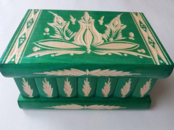 New big beautiful green special handcarved,handmade wooden puzzle box,secret box,magic box,jewelry box,brain teaser,storage box,flower box