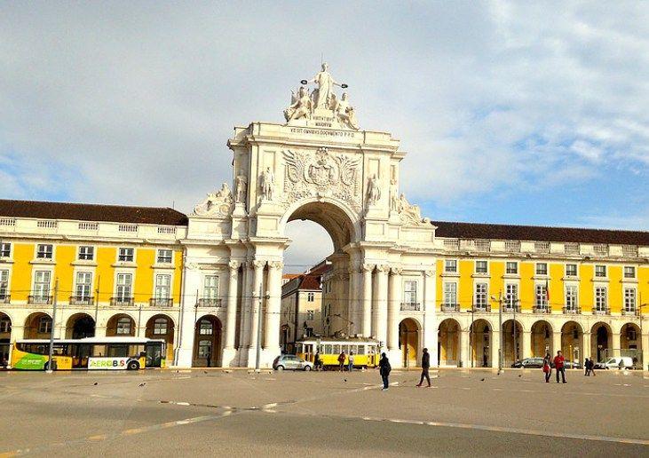 Lisbonne en 4 jours | Via Two French Explorers | 20/01/2016 Partez à la découverte de la capitale du Portugal ! Découvrez les immanquables pour un séjour à Lisbonne réussi. #Portugal