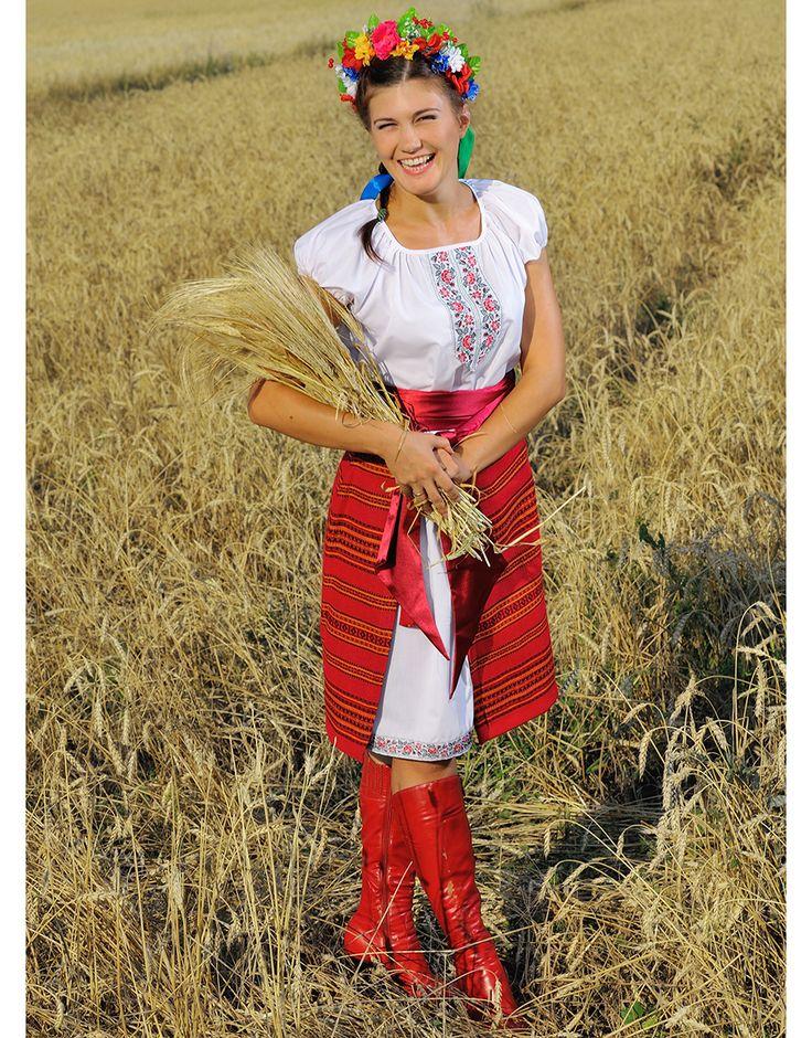 Traditional Ukrainian costume ''Nastena''   RusClothing.com