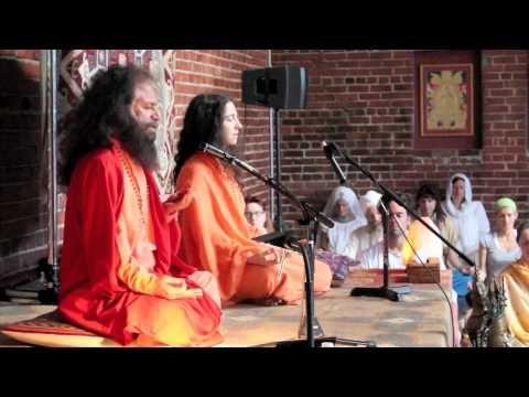 Pujya Swamiji blessing Golden Bridge!