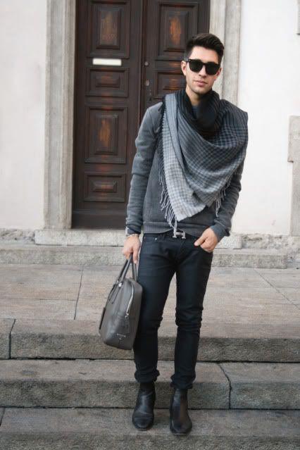 Um único acessório pode significar tudo para um visual. A blusa mais simples pode virar o visual mais sofisticado.
