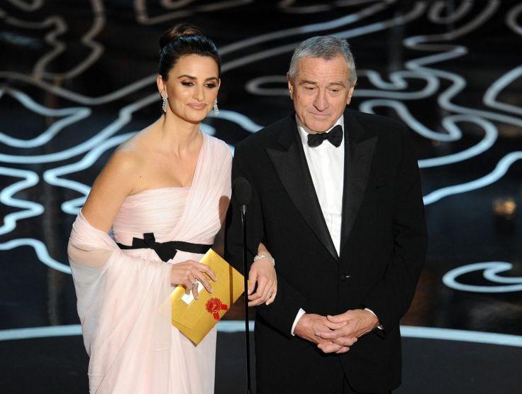 Penelope Cruz y Robert De Niro durante la entrega de premios de los Oscar 2014.