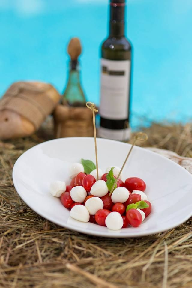 Pausa pranzo in #piscina  #cadelach #notraffico #sole #tuffi #relax #lightlunch #aperitivo