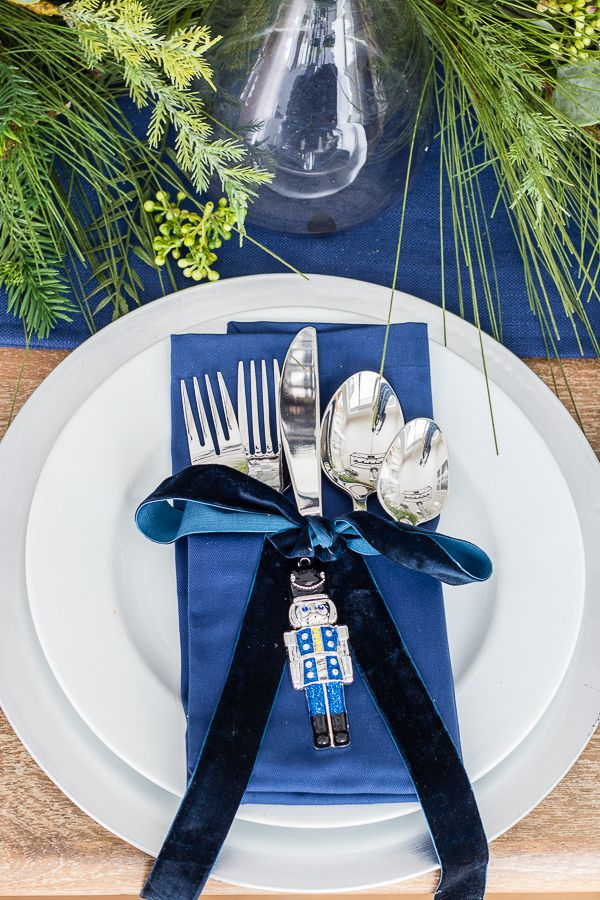 Silver And Navy Christmas Table Setting Christmas Table Decorations Centerpiece Xmas Table Decorations Christmas Table Settings