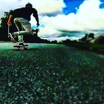 Mondays have a tendency to feel very uphill... #samsung #galaxy #s6 #edge #gopro #diabetic #diabetes #travel #photo #amateur #summer #danish #trying #to #be #artistic #dj #music #love #life #pennyboard #skateboard #ilipsnc #turntable #showtime #monday #uphill by tuwel